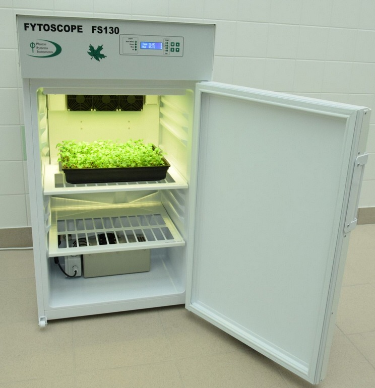 Z130 Fytoscope will maintain a regulated temperature for your plants.