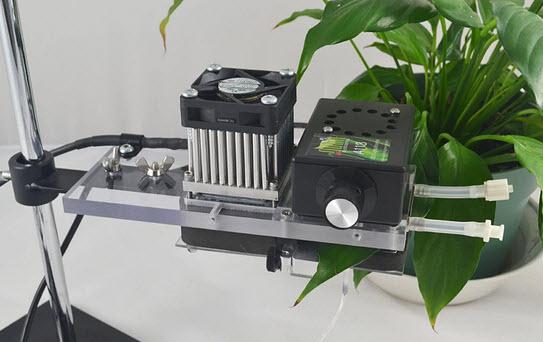 Q-Box CO650 leaf chamber